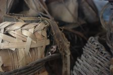 Old Baskets for uttilisés transport jiàn puerh <span class='translation'>(Pu Er tea)</span> for horses on the road