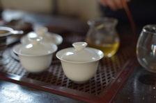 Exemple de dégustation de thé dans le Yunnan