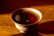 Liqueur d'un puerh <span class='translation'>(Pu Er tea)</span> affiné à Hong Kong