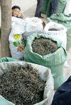Sac de Mao Cha vendu sur le marché (Lincang)