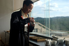 Zou Bing Liang, grand master of the assembly puerh