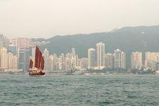 Hong Kong, un des plus gros stock de puerh <span class='translation'>(Pu Er tea)</span> agé