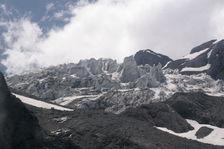 Hautes montagnes dans le nord du Yunnan