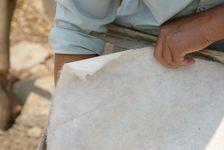 Décolage de la feuille de papier sèche