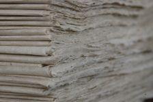 Papier traditionnel dans une famille Dai