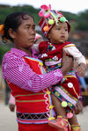 Wa Woman and child in the region of Lincang