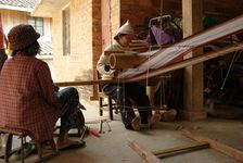 Weaving traditional Jino