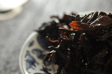 Tea leaves aged in Hong Kong (Copyright Sébastien M.)